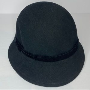 NINE WEST WOOL HAT PRELOVED BUT GREAT CONDTION